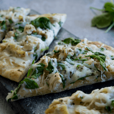 Easy Chicken Alfredo Pizza
