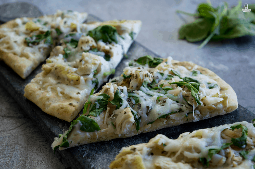 We LOVE this yummy Easy Chicken Alfredo Pizza! Slice it up for lunch, snack, dinner. or for a get-together.