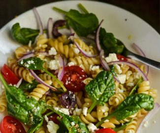Here's one healthy salad recipe for picky eaters. This Greek Pasta Salad is loaded with fresh veggies, Kalamata olives, feta cheese, and the dressing YUM!
